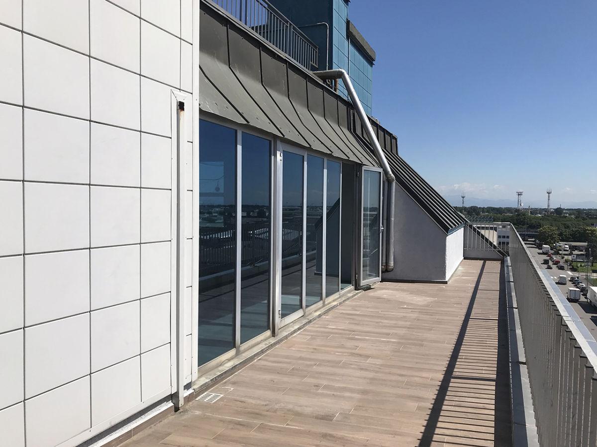 Affittasi Ufficio 525 mq - quarto piano - Atlantic ...