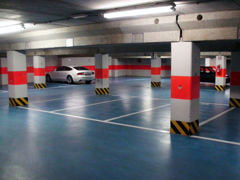 Indoor parking lots to rent in the garage at the first basement floor - Atlantic Business Center - Milan