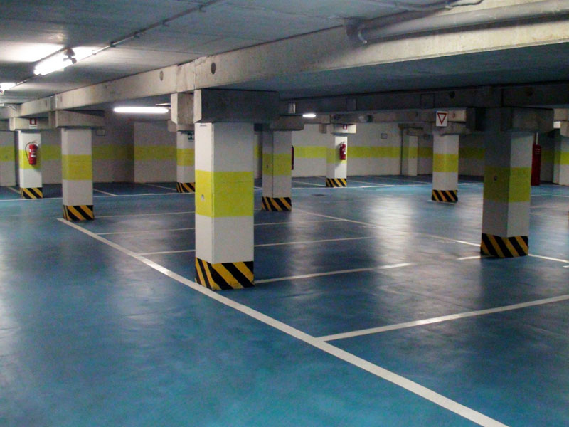 Indoor parking lots to rent in the garage at the second basement floor - Atlantic Business Center - Milan
