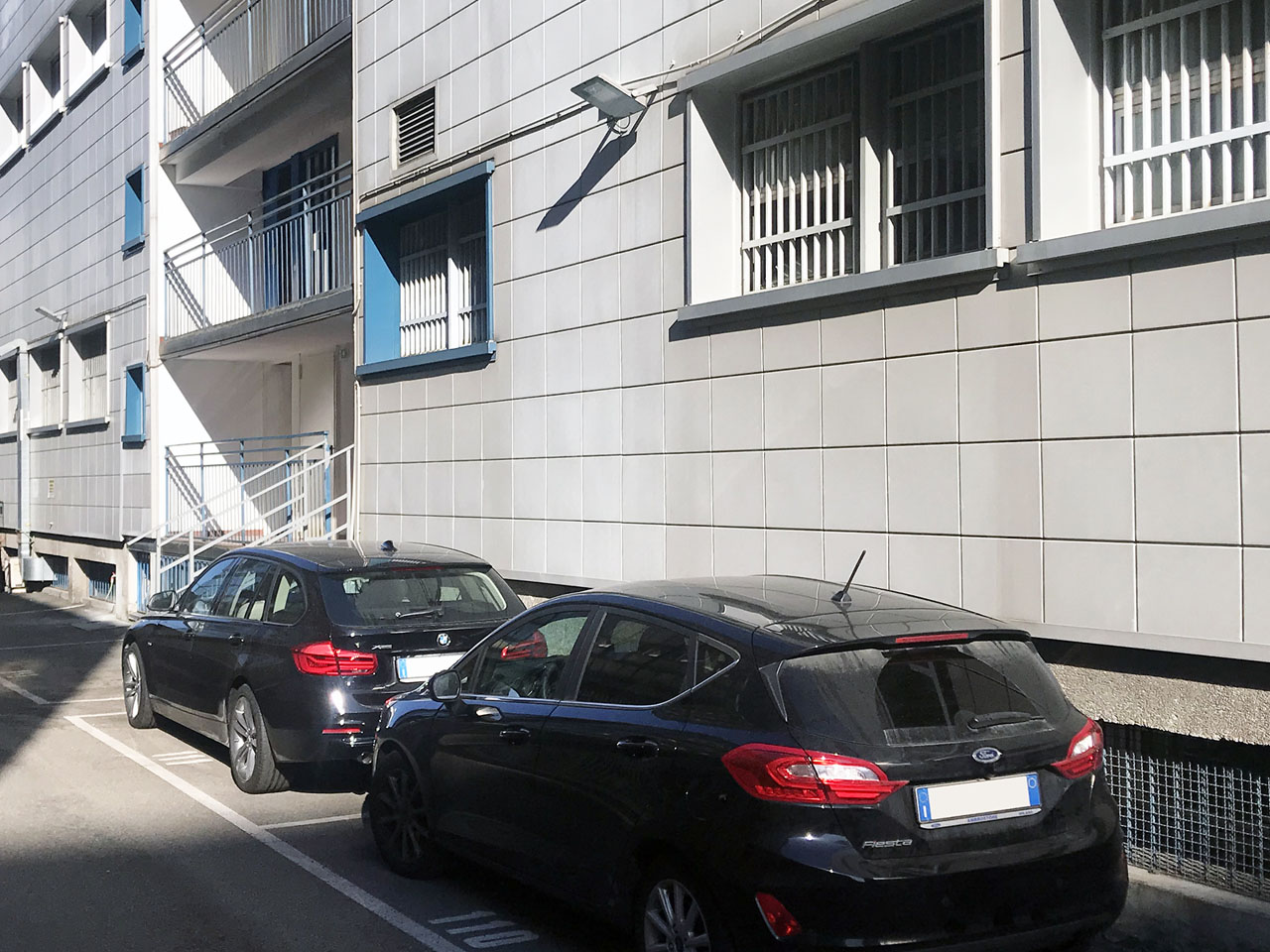Outdoor parkings to rent in the back yard inside the Atlantic Business Center - Milan