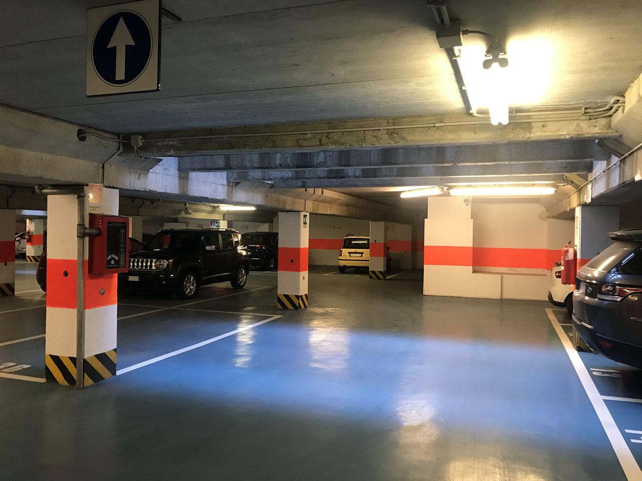 Posti auto coperti in affitto, in autorimessa al primo piano interrato - Atlantic Business Center - Milano via Fantoli 7