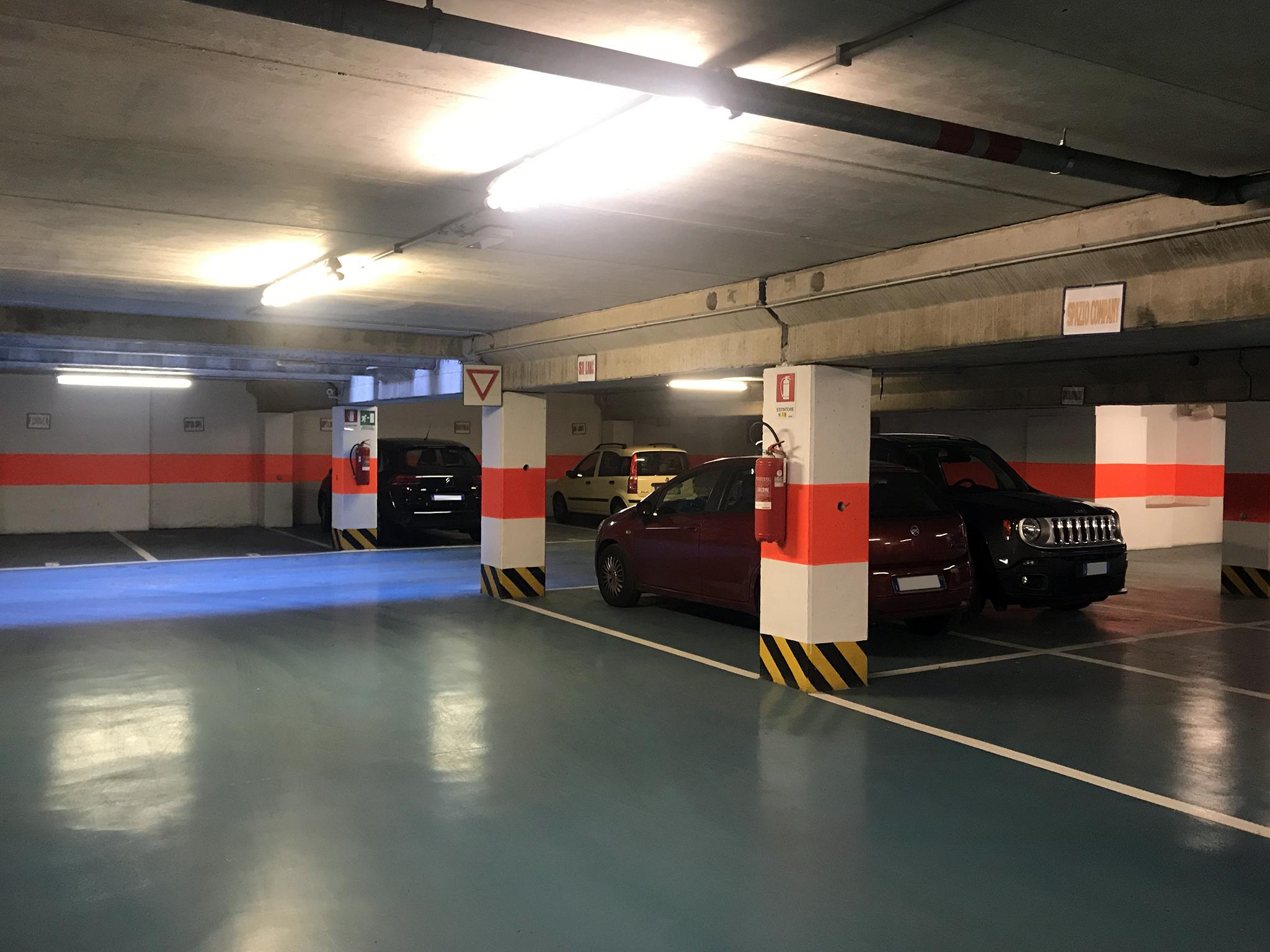 Posti auto coperti in affitto, in autorimessa al primo piano interrato