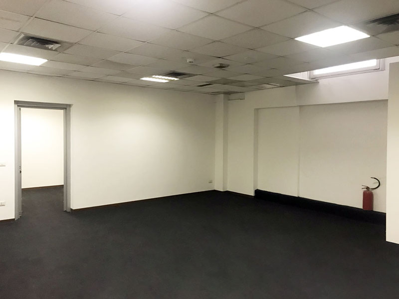 Open space warehouse for rent in Milan - 125 sqm (1345 sqft)
