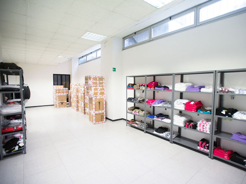 Warehouses and workshops for rent inside the Atlantic Business Center in Milan