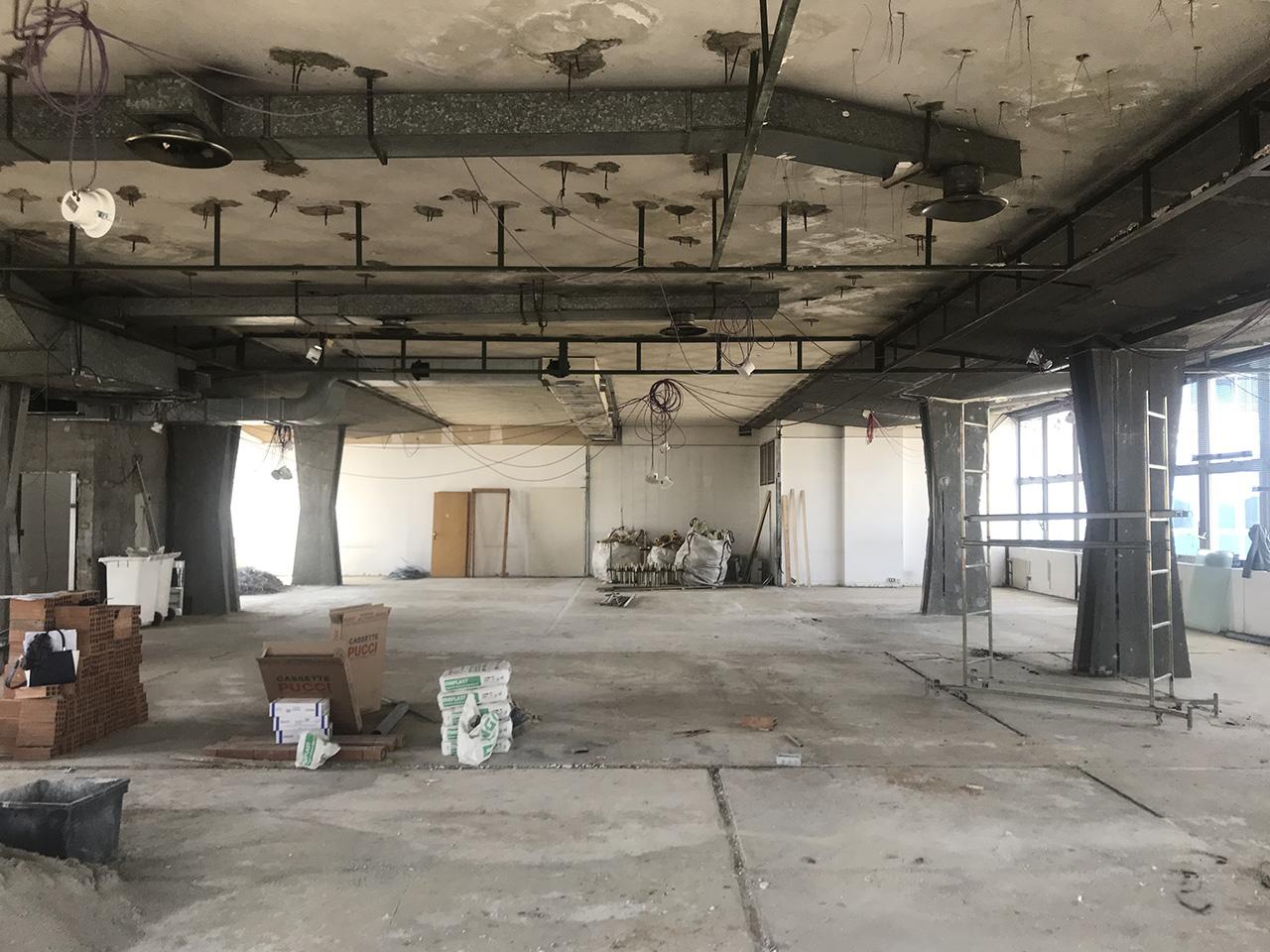 Office 525 sqm (5651 sqft) open space renovation
