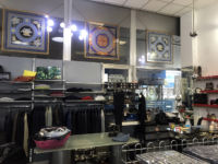 Store / Office for rent in Milan - 55 sq m (592 sq ft) shop counter