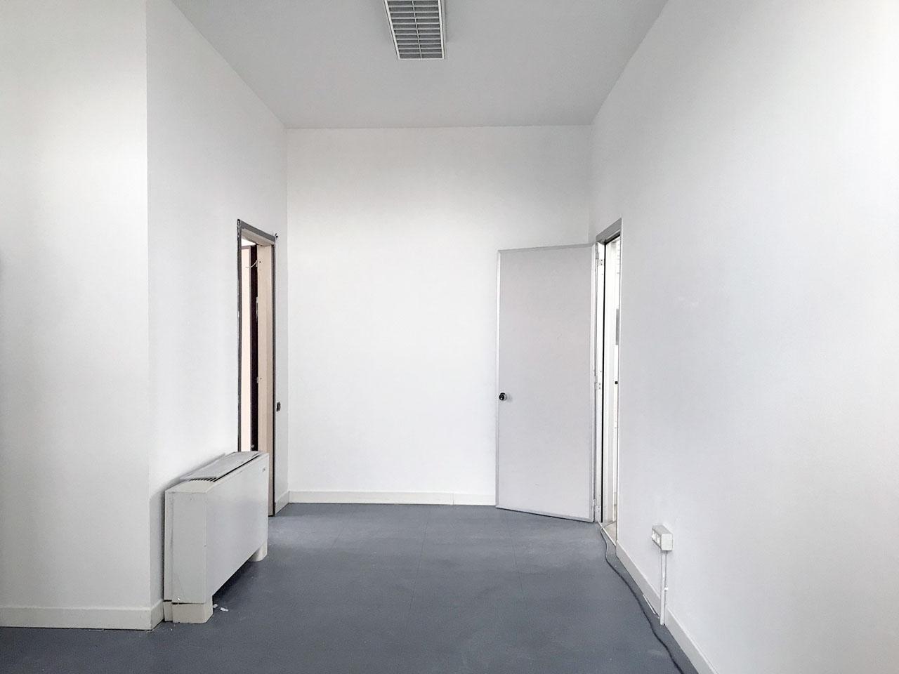ufficio 430 mq secondo piano - Atlantic Business Center - anticamera bagni montacarichi